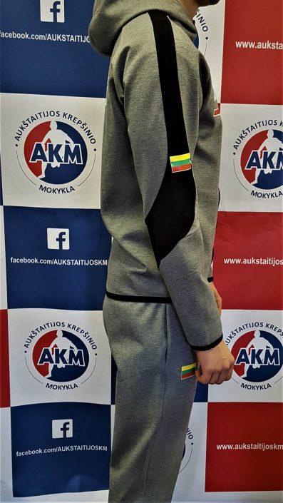 Sportinis kostiumas 2