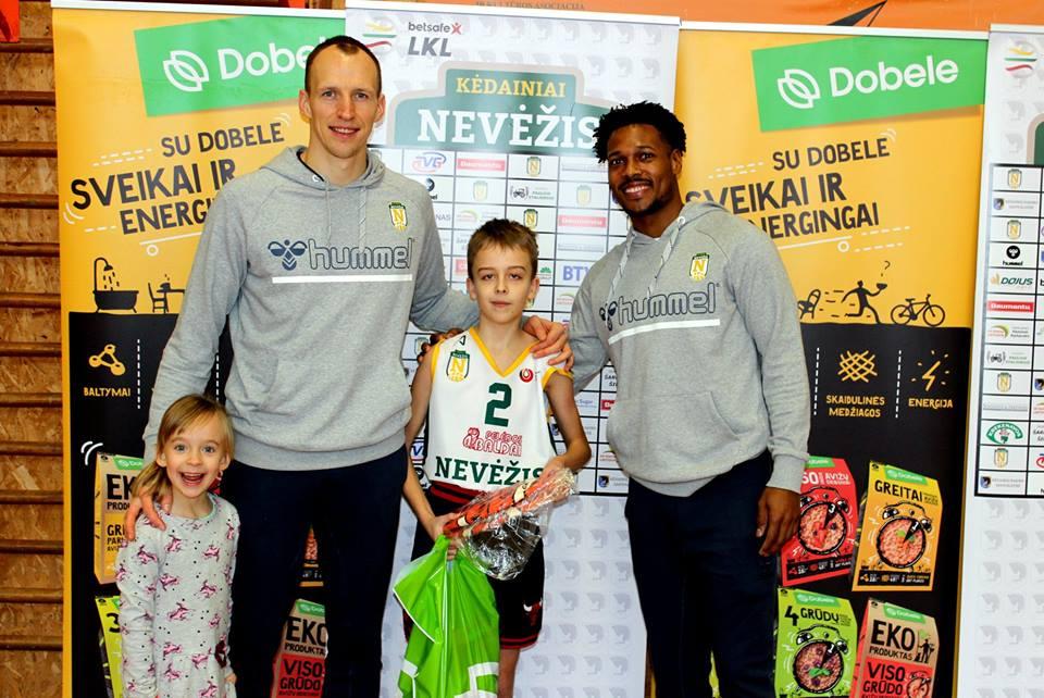 Aukštaitijos krepšinio mokyklos bei KK Nevėžis organizuojamas projektas BE PYKČIO keliauja toliau